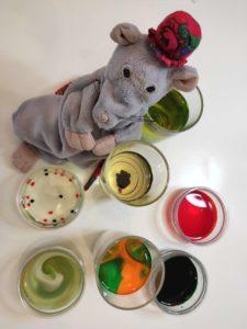Dzieci i zabawy. Zabawy z tego, co znajdzie się w kuchni (Fot. Marta Uszko-Baraniak)